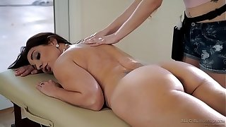 Stepdaughter does special massage on the brush Old lady - Samantha Hayes, Mindi Mink