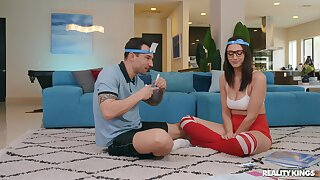 Nerdy young babe in arms fucks with her personal trainer at residence