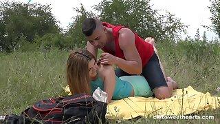 Deep penetration outdoor romance be proper of this fresh 18 teen