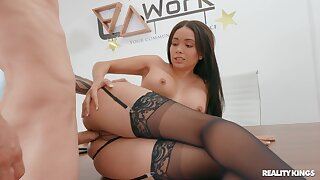 Brunette dreamboat loads proper inches into her fine pain in the neck