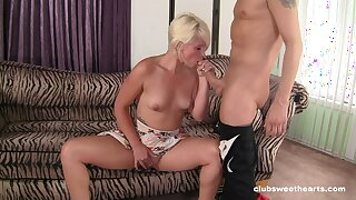 MILF pleases younger lad with blowjob and smashing dealings