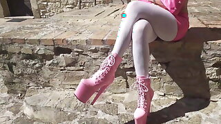 Outdoor pink outfit, wearing 8 inch platform ankle scullion