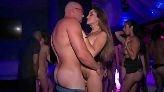 Super hot American slut gets fucked hard at be imparted to murder party