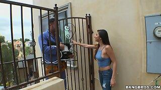 Repair man gets his dick pleasured by disobedient housewife Nina North